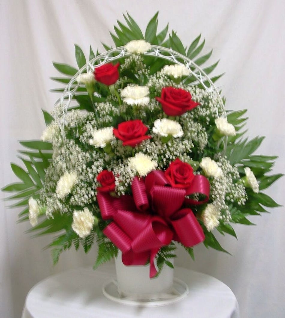 Red And White Tribute Salisbury Md Florist Flower Delivery