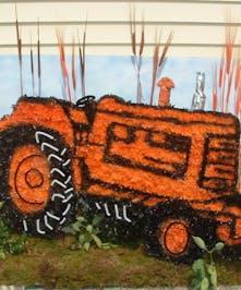 Tractor Set Piece